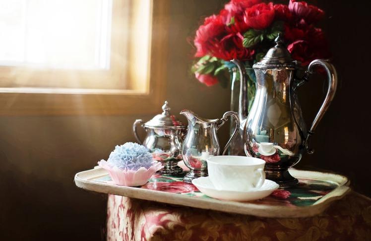 silver-tea-set-989820_1920